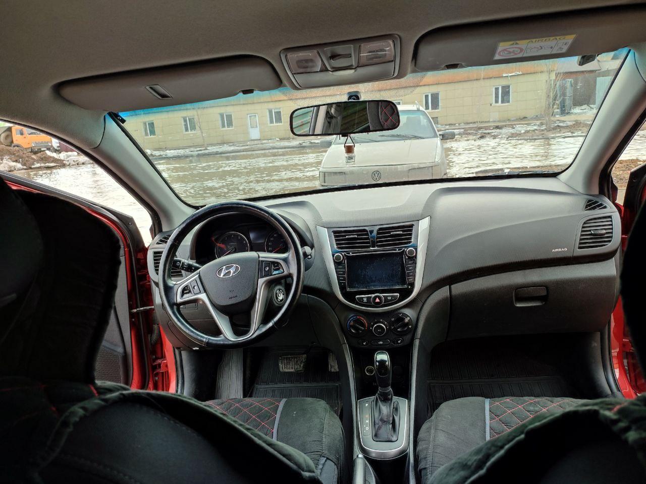 Hyundai ACCENT 237